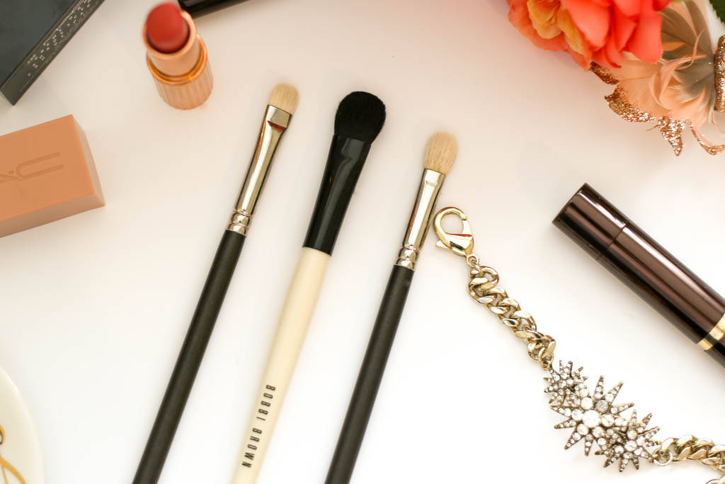 bobbi brown brushes uses. from left to right: mac 239 eye shader brush, bobbi brown sweep brush \u0026 217 blending brushes uses