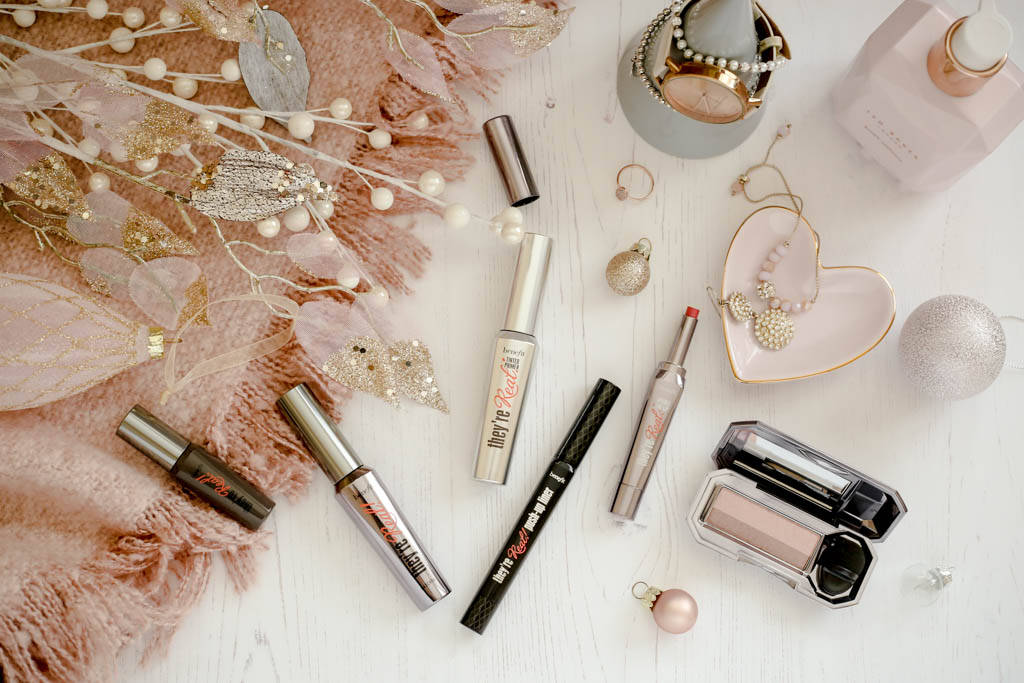 Beauty Review & Christmas Gift Inspiration from the Benefit They're Real Range