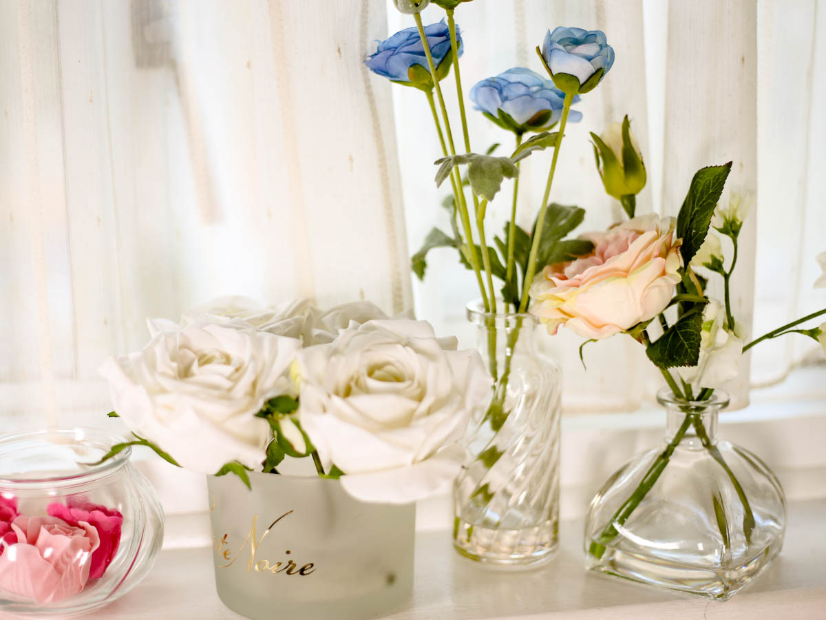 Spring Home Decor Ideas | Easy Ways to Freshen Up Your Home feat Flower Vases by window sill