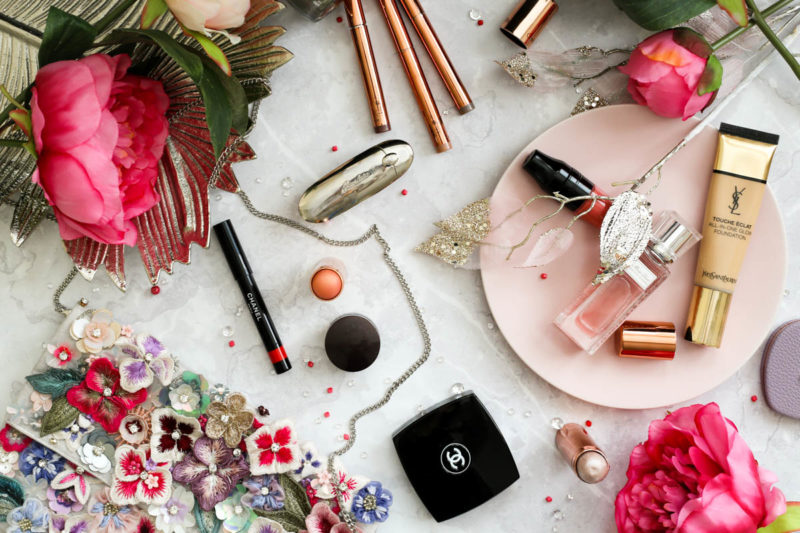 Blog Photography | 3 of My Favourite Flatlay Styles feat makeup & beauty on marble backdrop