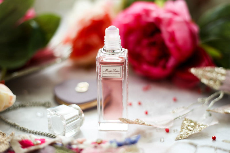 Makeup Bag for Essentials for Day to Night Beauty   feat Miss Dior Absolutely Blooming Roller Pearl_