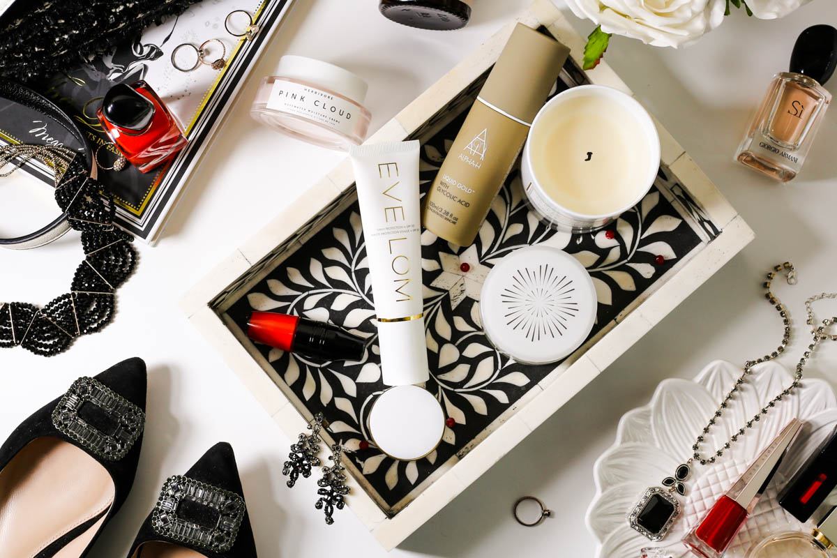 The Basic Skincare Steps you Need in your Routine | feat skincare in black and white tray with shoes and beauty items