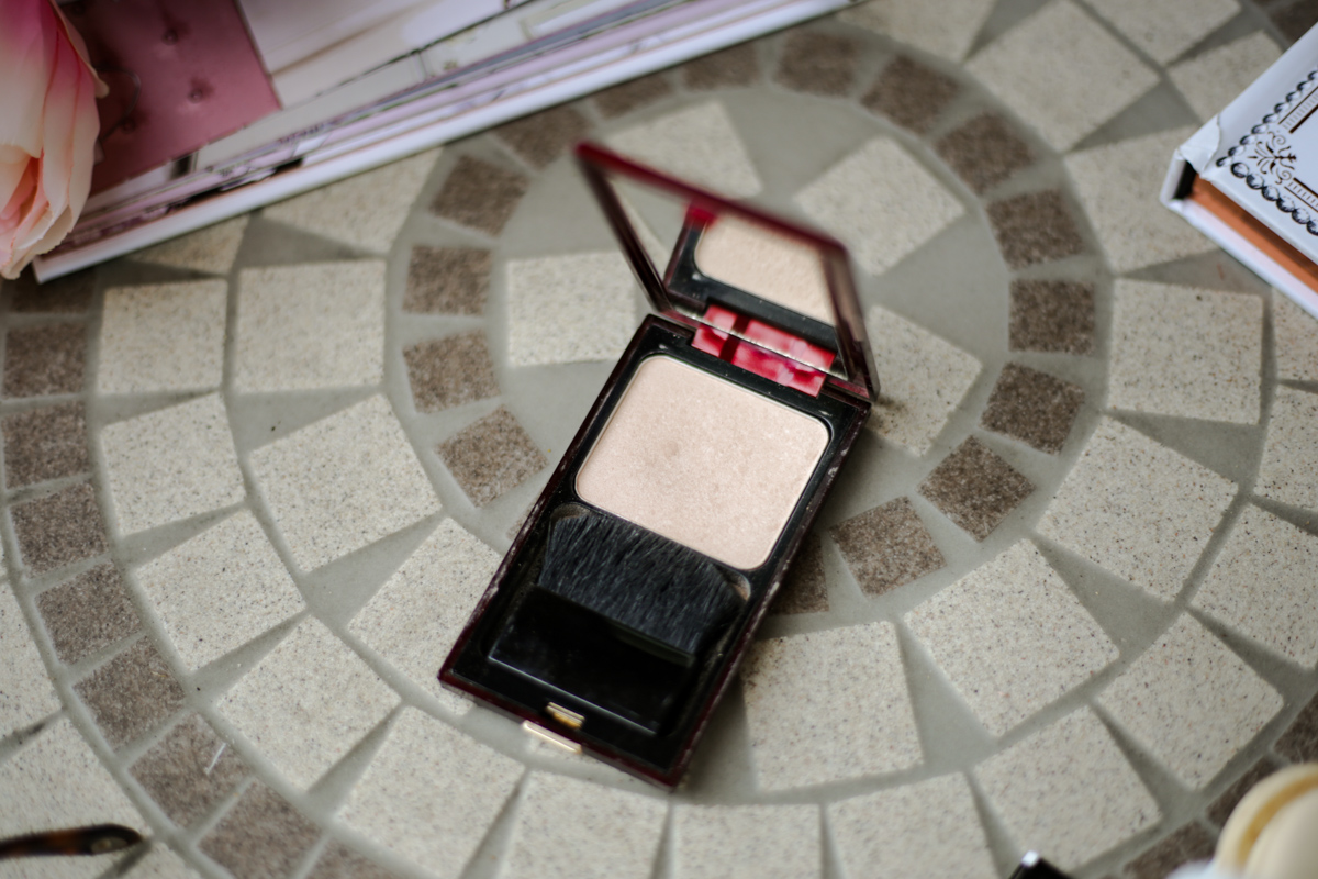 11 Favourite But Somewhat Underrated Beauty Products | feat Kevyn Aucoin Celestial Powder in Candlelight
