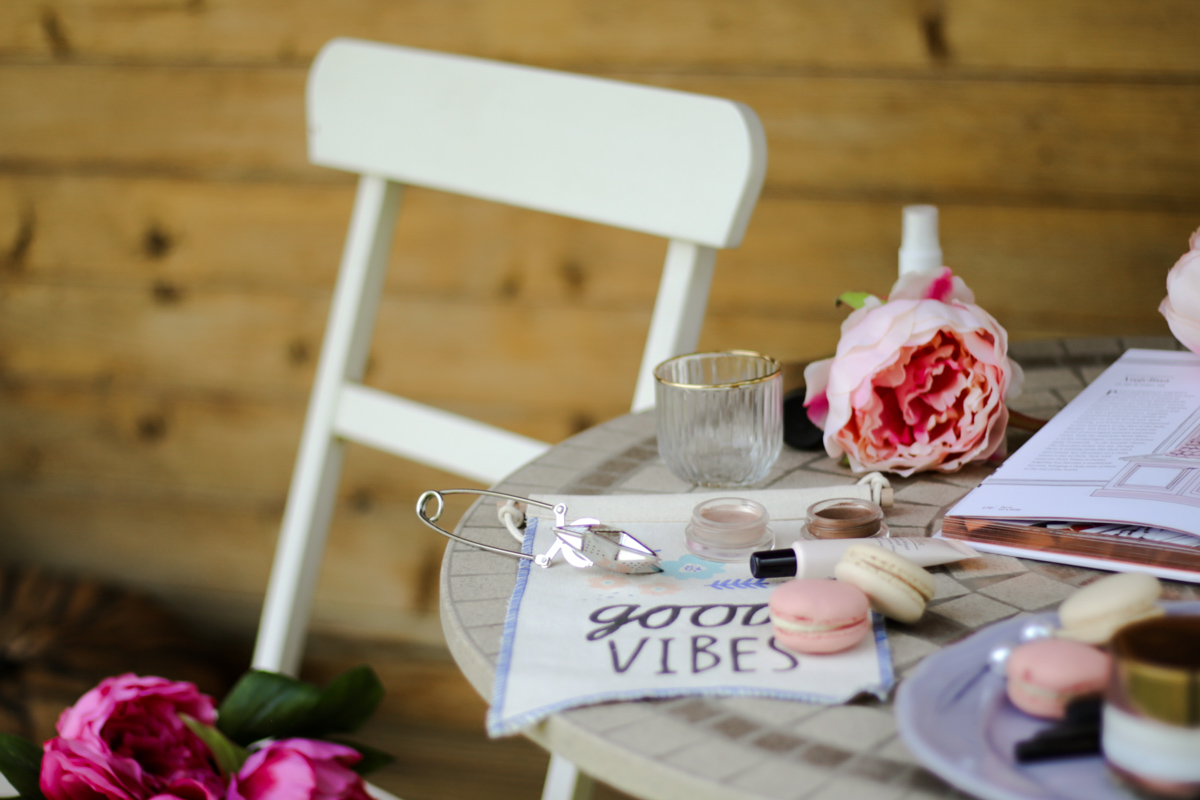 11 Favourite But Somewhat Underrated Beauty Products | feat Revlon Colourstay Creme Eyeshadows displayed on table in garden_