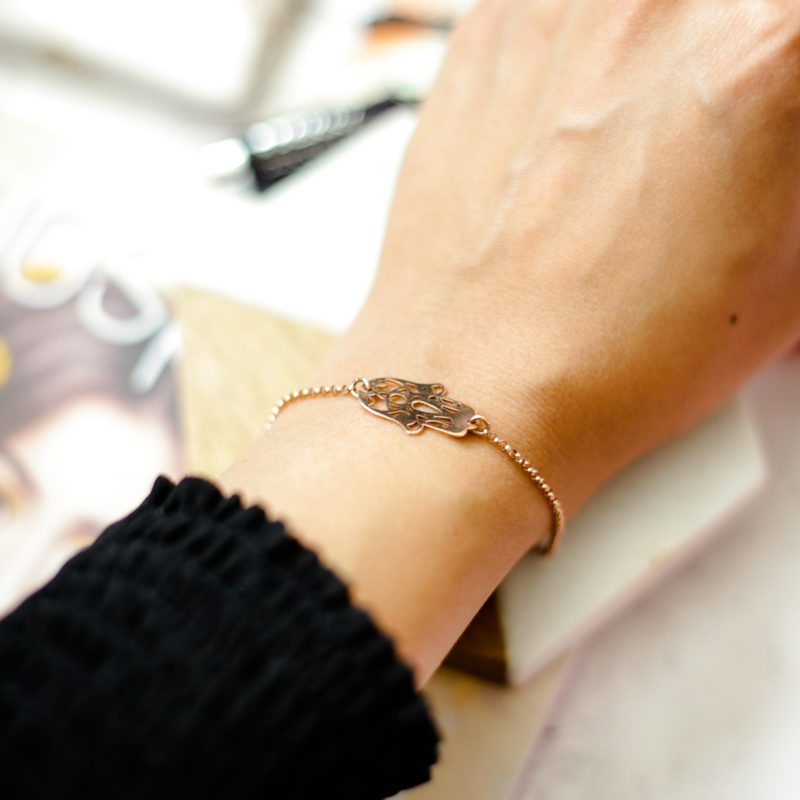 Summer Fashion & Beauty Favourites | feat oNecklace Hamsa Hand Bracelet in Rose Gold worn on arm