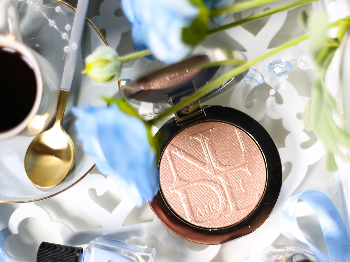 Blog Photography | 3 Ways to Be More Creative With Your Photos | feat Dior Highlighter