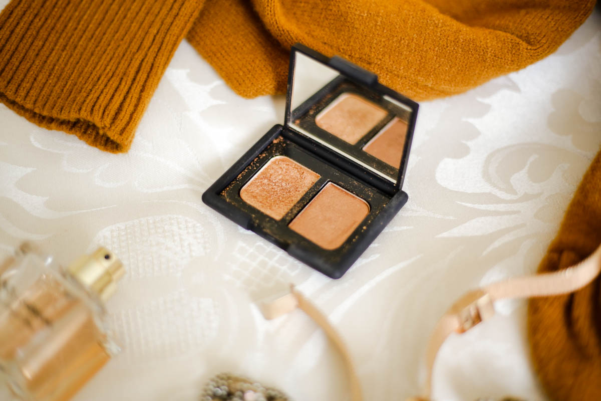 The-warm-toned-eyeshadows-and-palettes-to-add-to-your-winter-makeup-bag-feat-Nars-Duo-Eyeshadow-in-Isolde